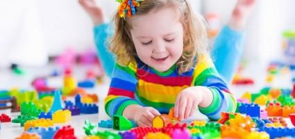 Детям и родителям расскажут про опасность проглатывания мелких предметов