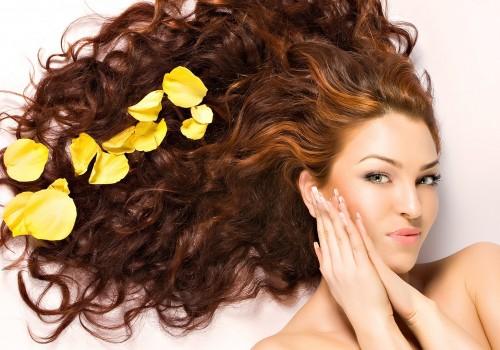 5 способов защитить волосы в зимний период>