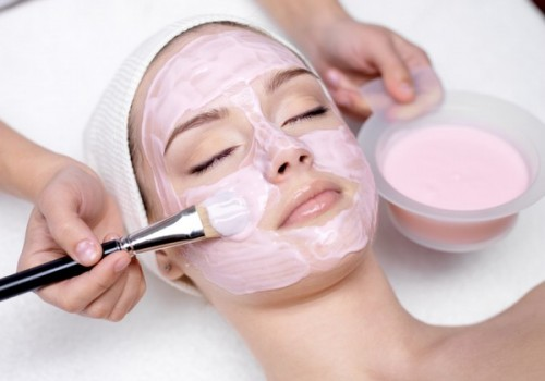 Обзор самых популярных процедур для лица в салонах красоты>